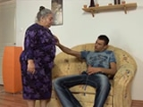 mi abuela me pillo masturbandome