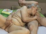 no puedo creer que me follara a una anciana