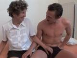 Anciana nerviosa ante su debut en el porno