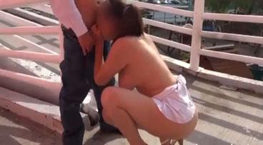 Latina exhibicionista follada en la calle por un desconocido